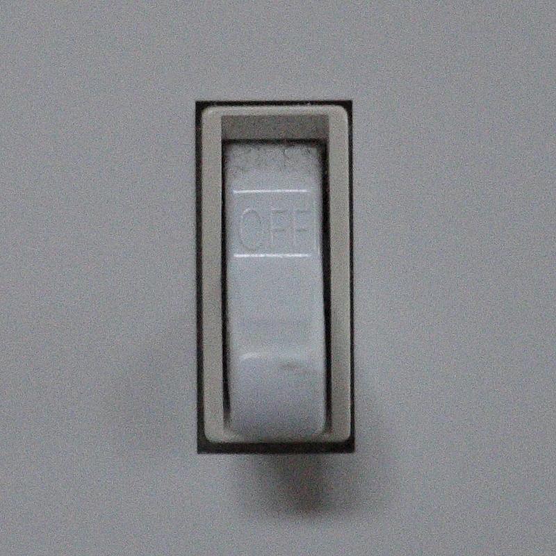 IMAGE: http://www.lj3.com/misc/ISOComp/03200_3_5D3_5.jpg
