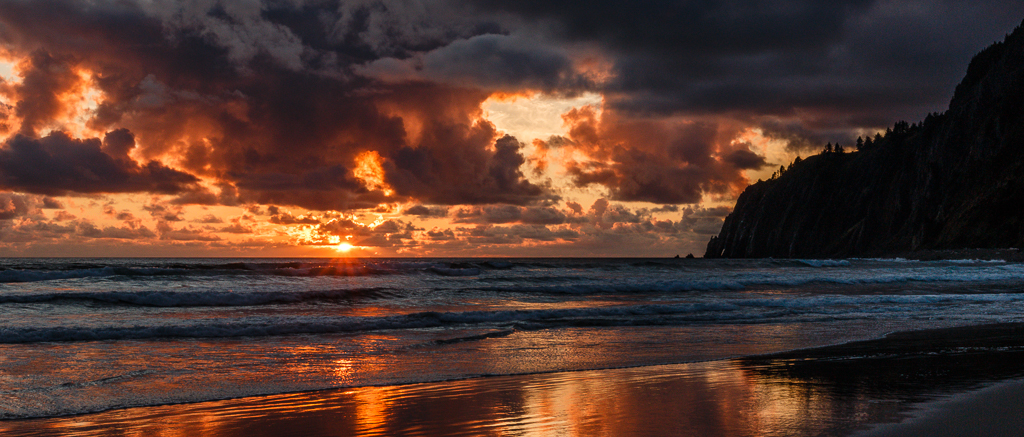 IMAGE: http://www.lj3.com/misc/manzanita_sunset.jpg